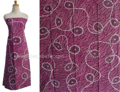 batik madura menarik dengan warna yang berani dan motif berkreasi